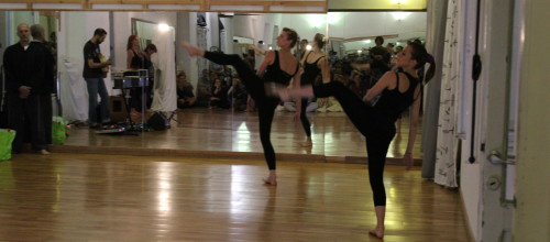 Performance degli insegnanti e allievi della Palestra Centro Como
